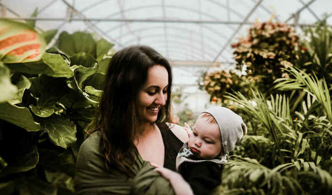 what are the benefits of baby wearing?