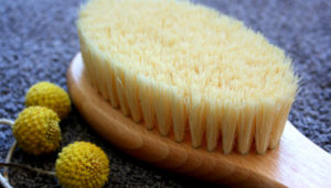 The benefits of dry skin brushing plus how to body brush guide.