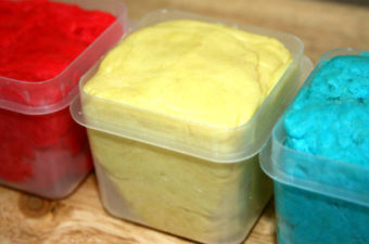 Easy 5 Minute Homemade Playdough Recipe (Without Cream of Tartar)