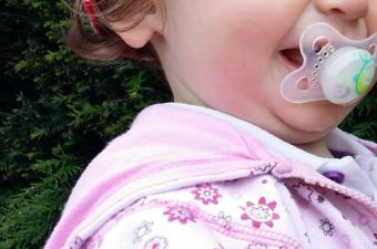 An infant with a pacifier. Image: Pixabay.com.