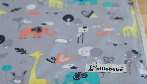 Pillobebe Organic Cotton Play Mat - Safari Dream. Photo copyright: pillobebe.com.